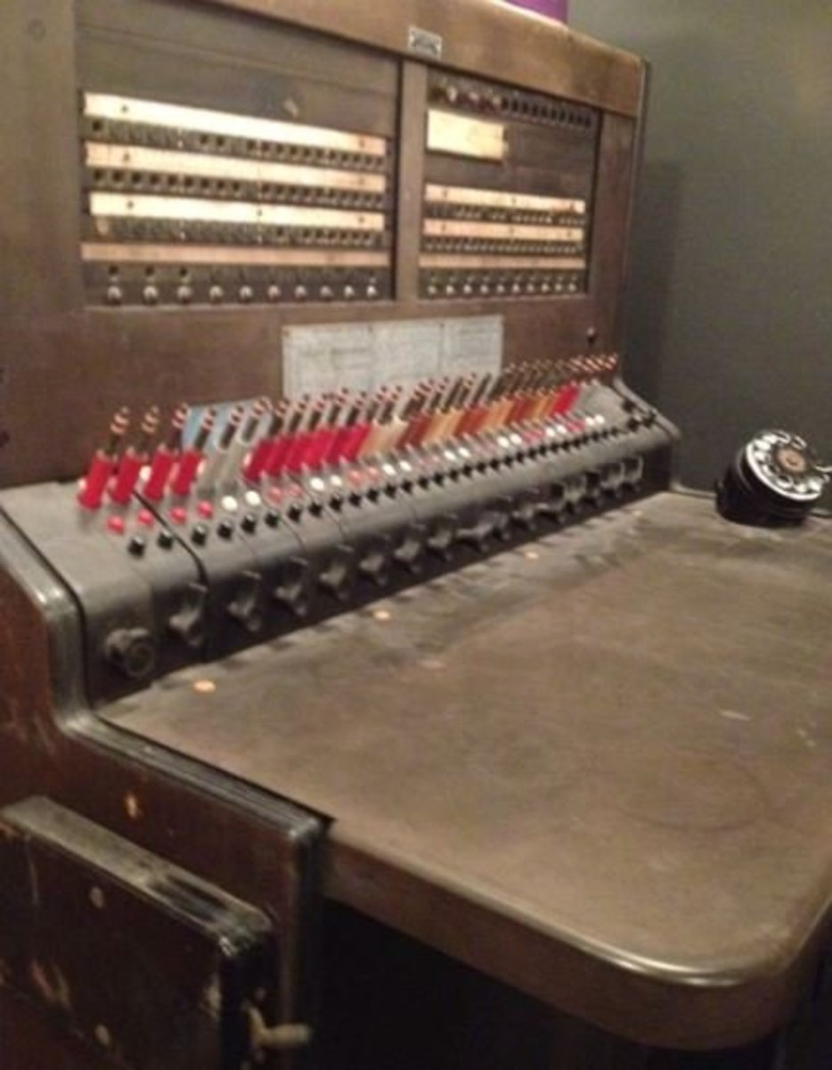 There are several switchboards at the museum. There is one that is actually a working model.