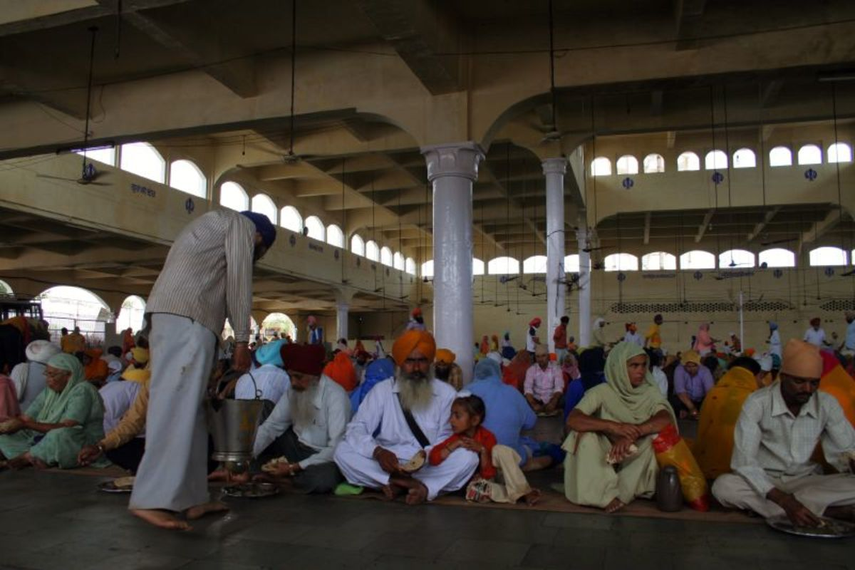 Community Lunch Being Held In Gurudwara