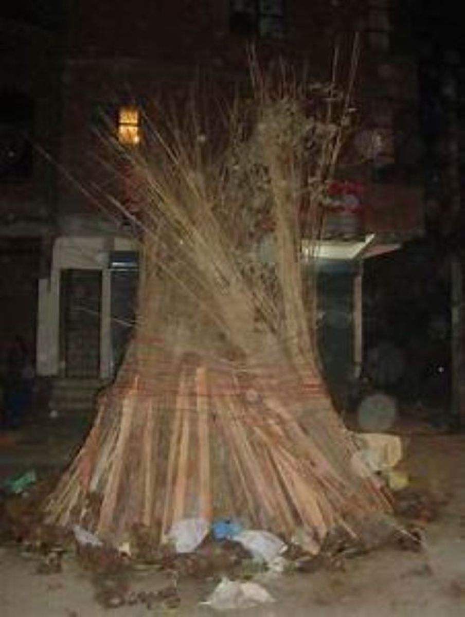 A Typical Holi Pyre ....