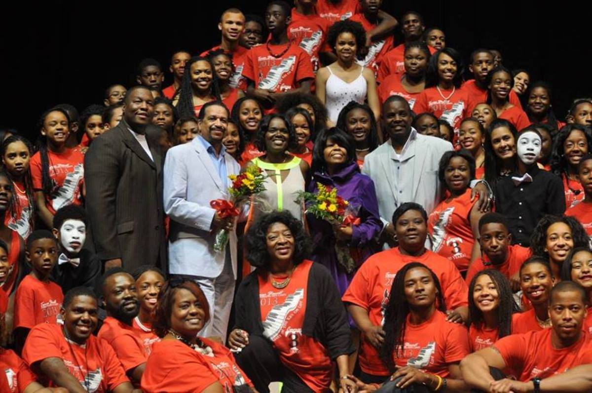 Dr. Stewart (lower center) with students in honor of Venecia Vaden.