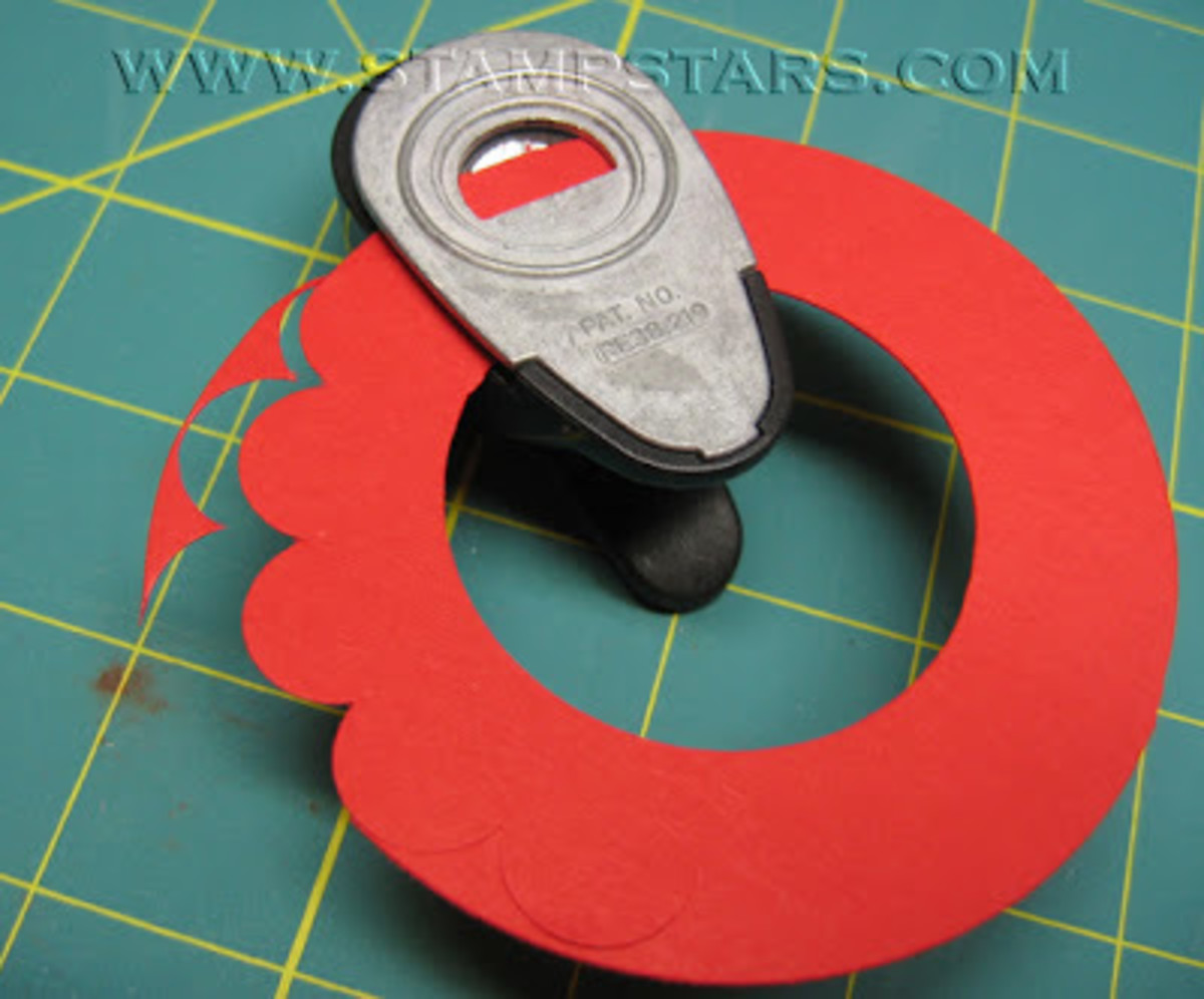 Even if you do not have a scalloped punch, you can create a scalloped circle