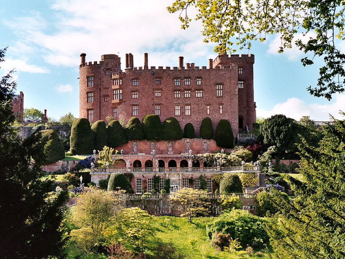 Powis Castle photo by Alexander Forst-Rakoczy