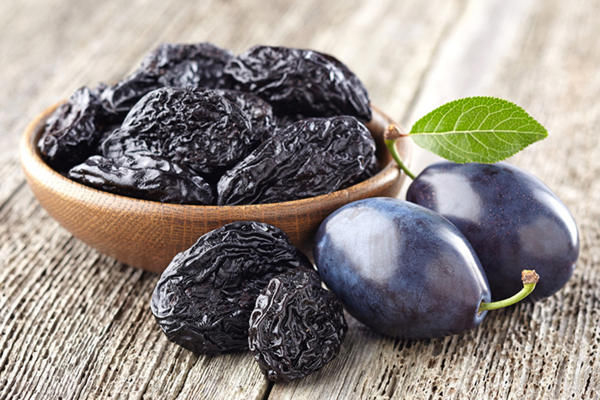 prune-juice-benefits-older-adults