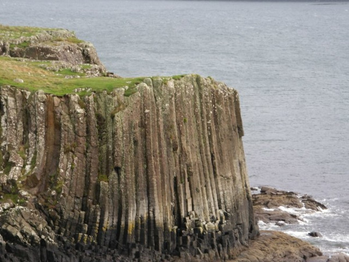 Basalt cliffs on Ulva. These are similar to the more famous ones on the Isle of Staffa.
