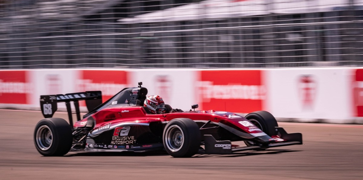 in-indycar-series-calendar-teams-riders-and-point-scoring-system