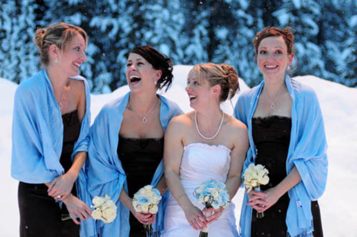 pashminas in blue at a wedding
