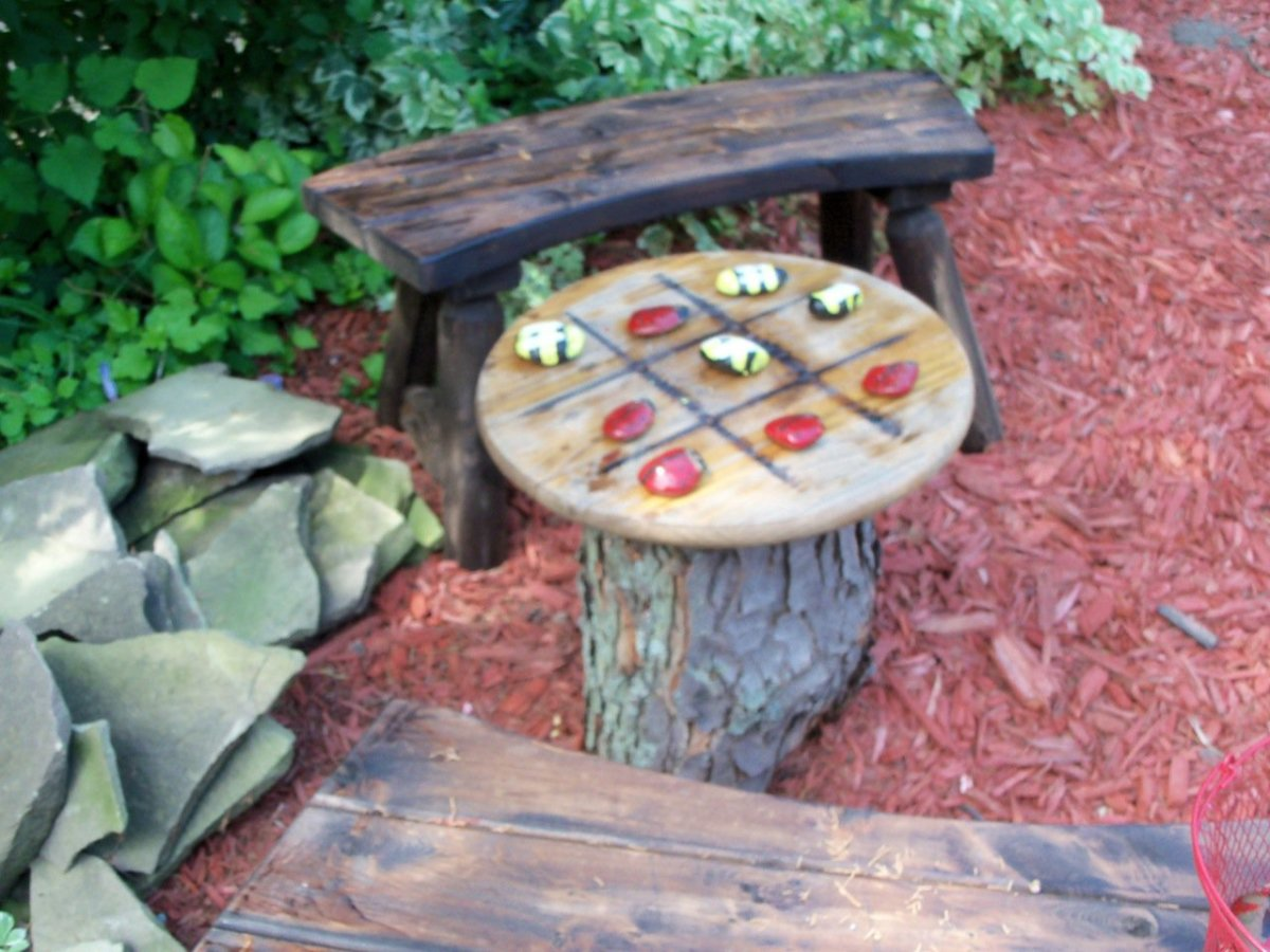 my tic-tac-toe garden table- anyone for a game?