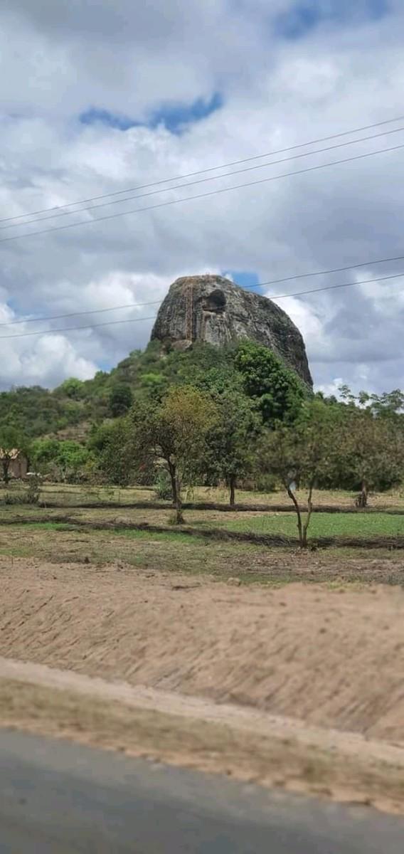 The Nzambani Rock