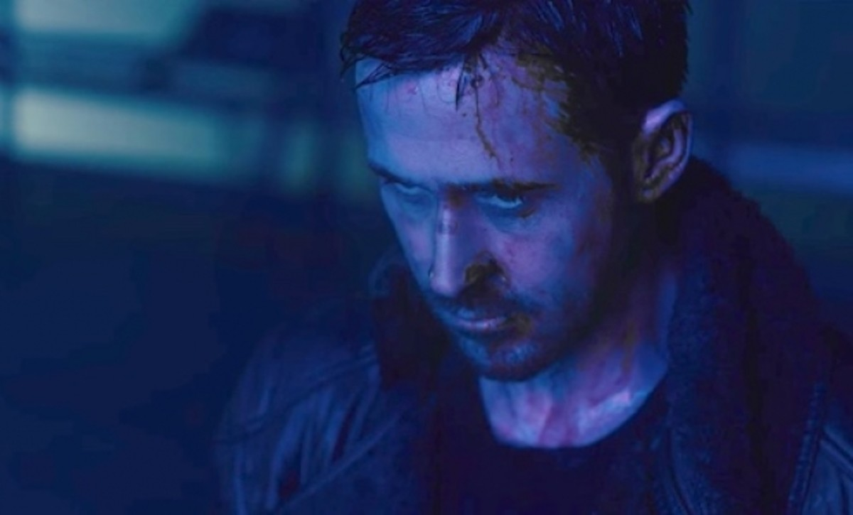 Gosling is surprisingly good as K, usually stoic throughout with a violent streak simmering beneath the surface.