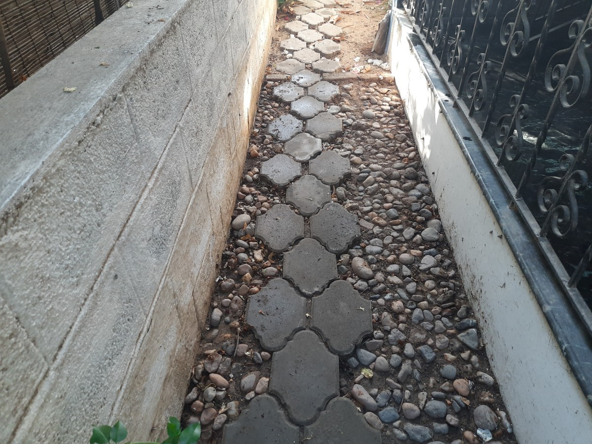 Using pebbles on pathways