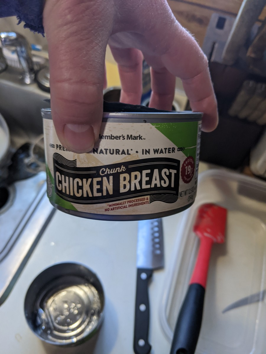 canned-chicken-and-biscuits