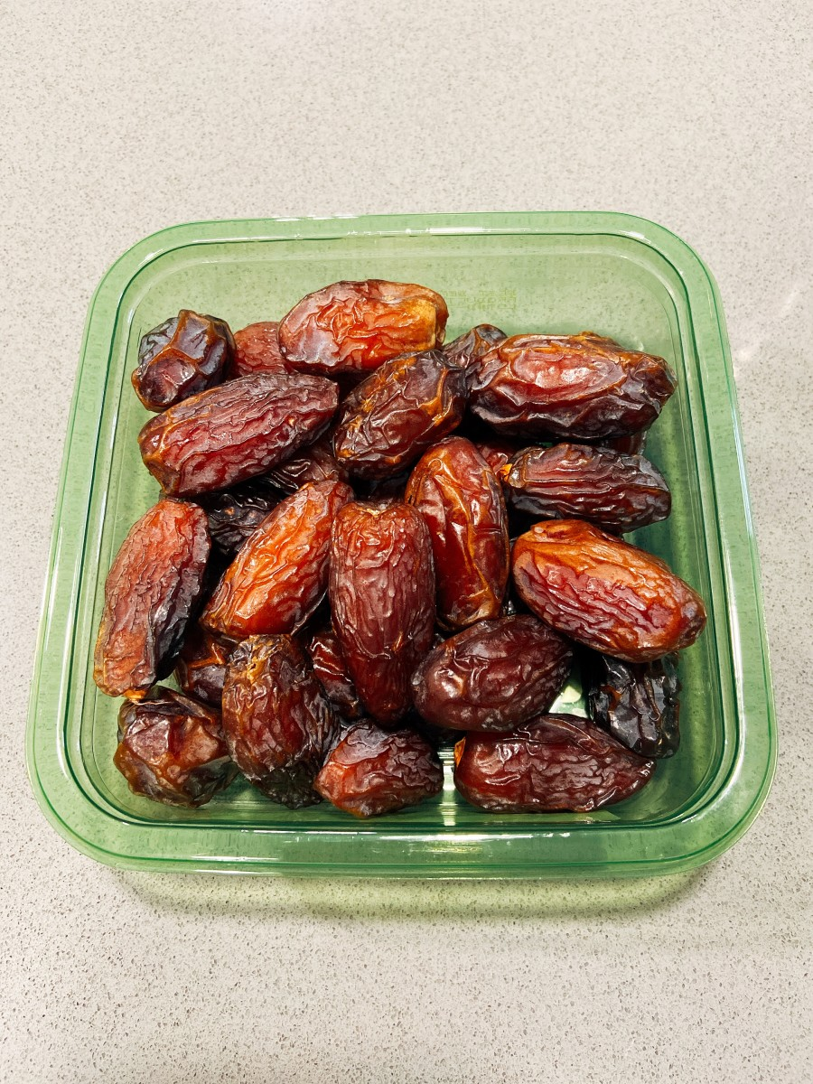 Dates are popular fruit to be taken before breaking the fast.