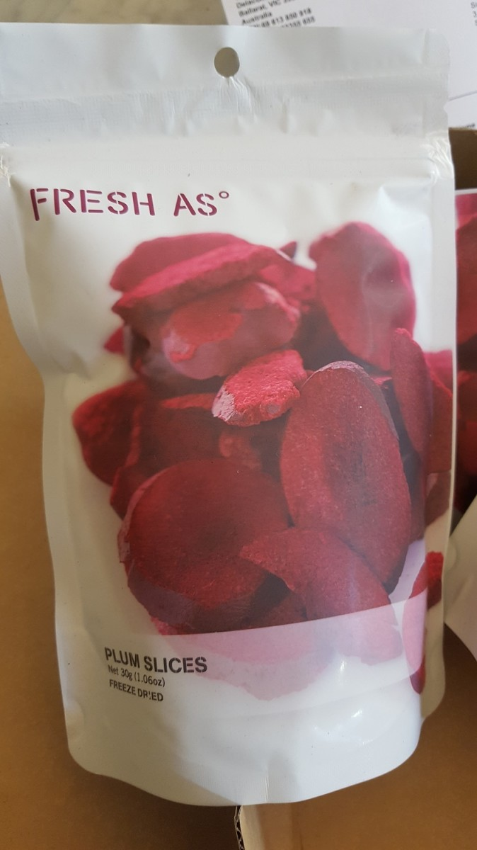 Freeze-dried plum slices
