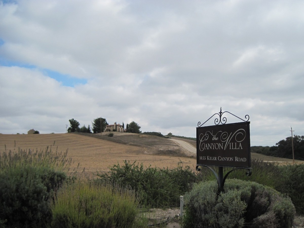 This is the entrance to the Canyon Villa Bed and Breakfast -- a luxurious place to spend a few days relaxing while you spend time in Paso Robles. It has easy access and is minutes from downtown events and wine tasting.