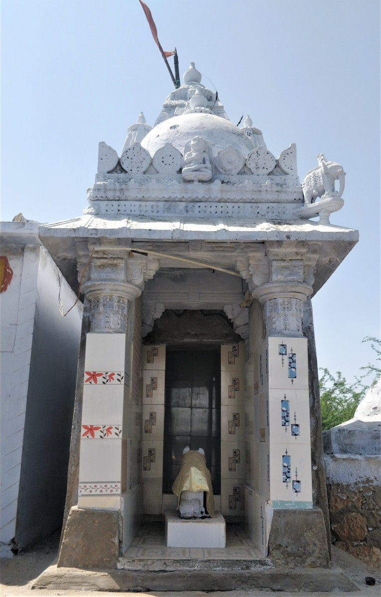 The second Shiva temple, Hatakeswar; Lakhpat