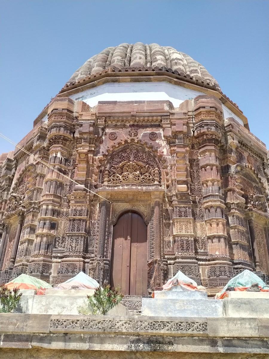 Lakhpat : the Maqbara ( mausoleum) 1