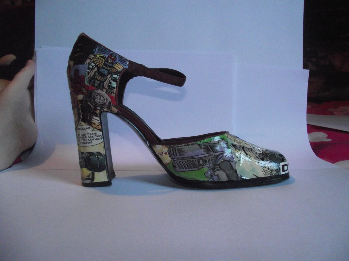 DIY Judge Dredd Comic Shoes