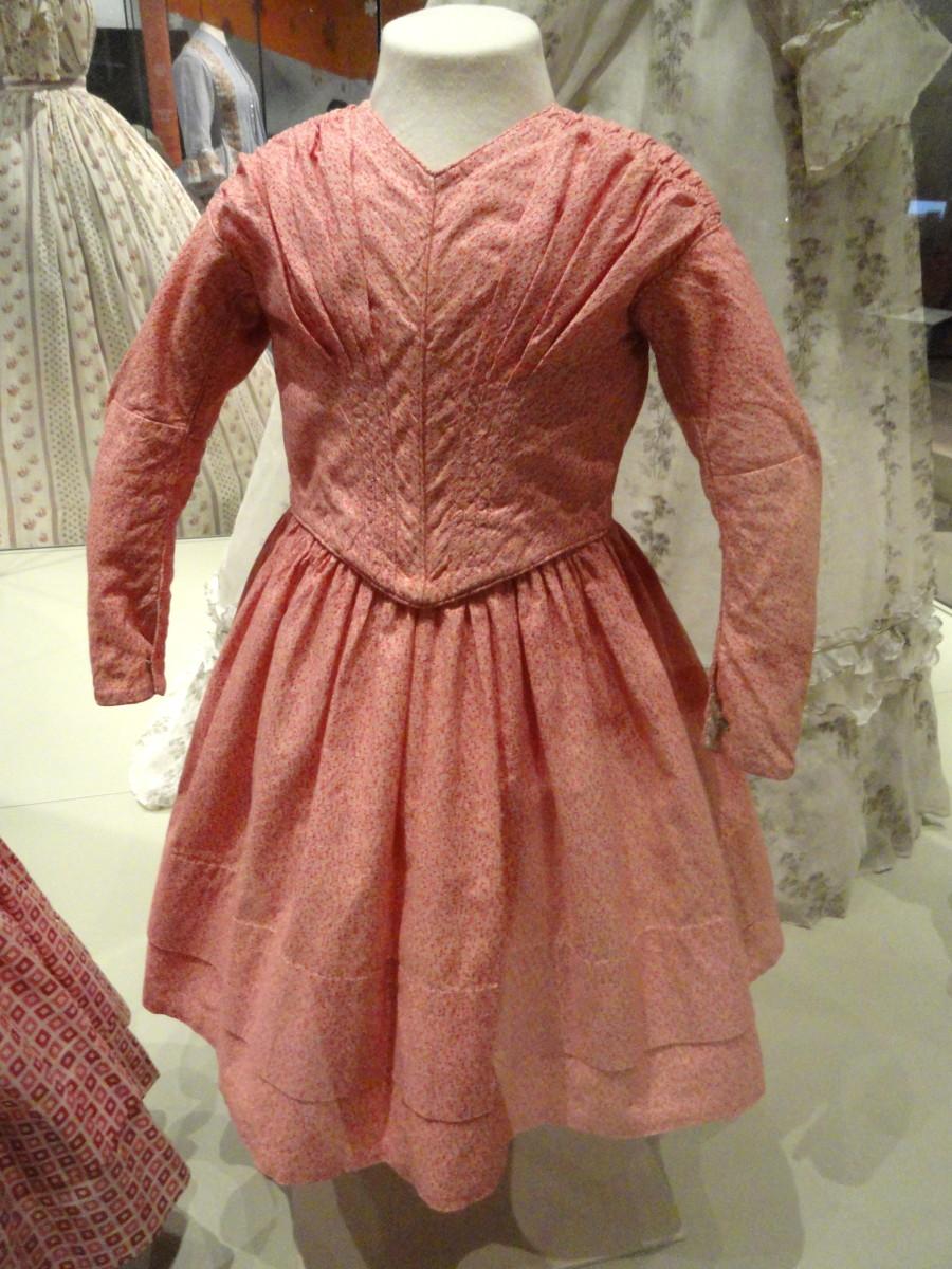 Girl's informatl dress circa 1840s
