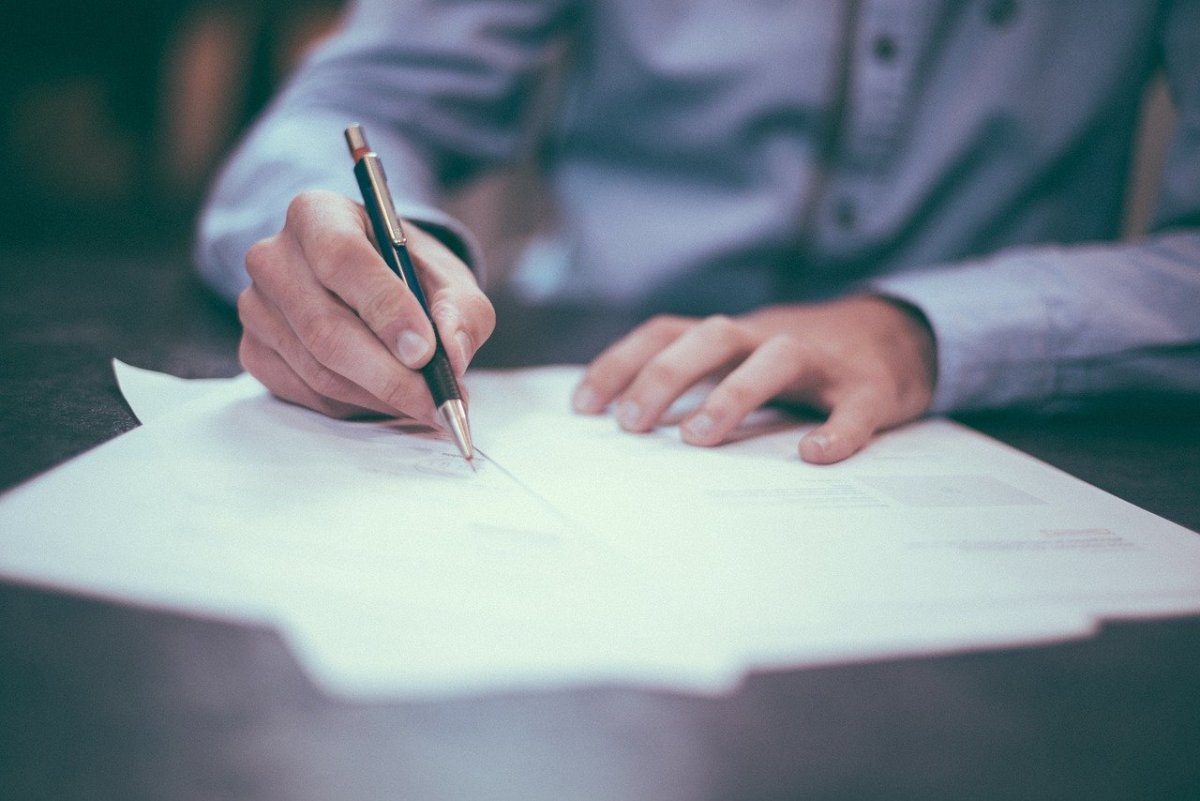 You need to know your lease like the back of your hand. Read it, then do so again, and many more times over to ensure you're an expert on your legally binding contract!