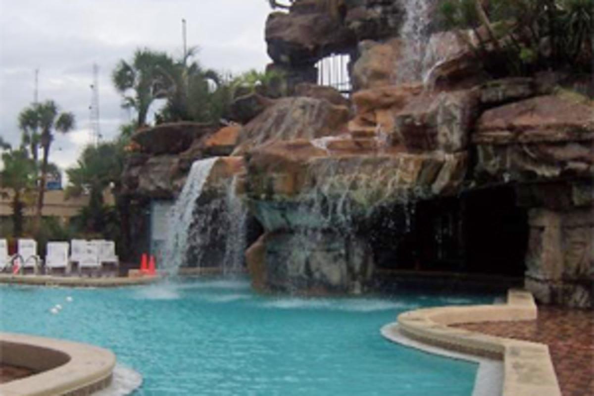 Paradise Palms lagoon pool