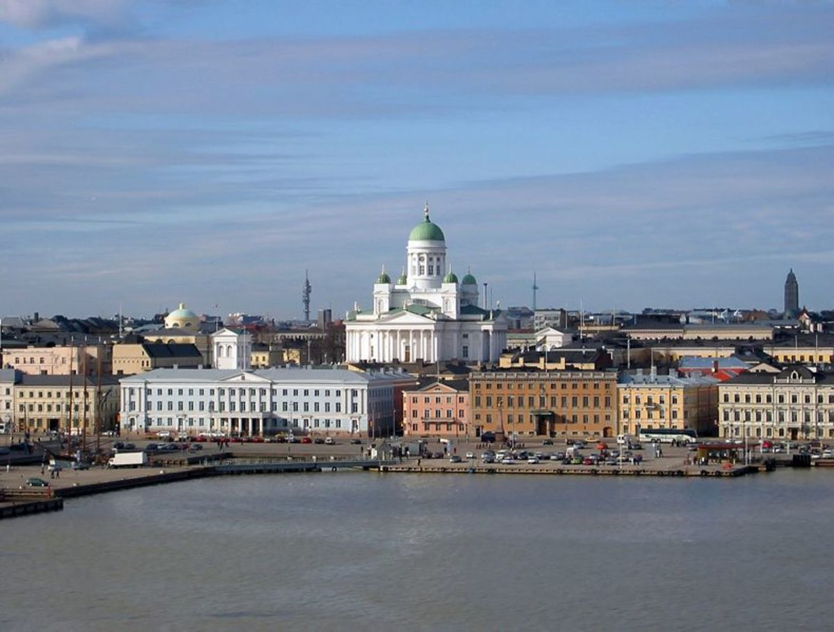 Helsinki Cathedral and the wider area.  Photgraph by Mikko Paananen and modified by Majestic and Ilmari Karonen.  Licensed under Creative Commons Attribution ShareAlike 2.5, Attribution ShareAlike 2.0 and Attribution ShareAlike 1.0.