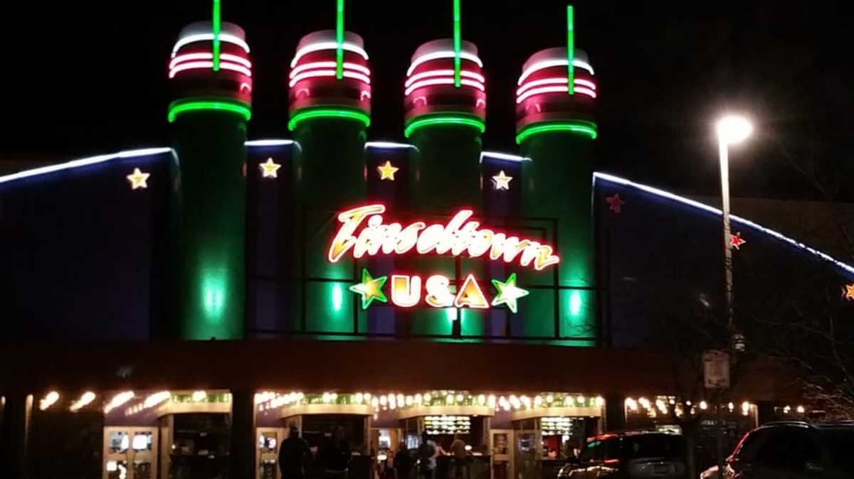 A photo of the exact Tinseltown USA in question.