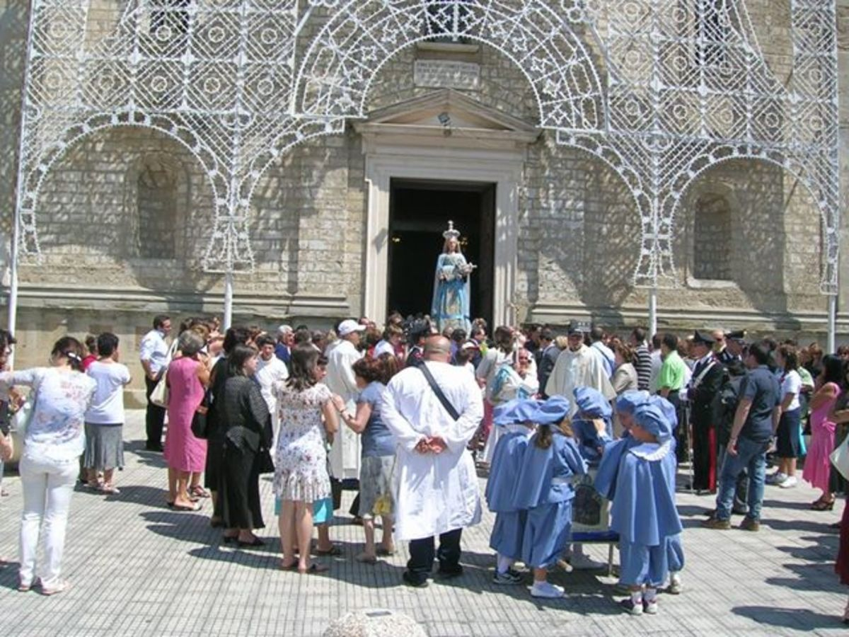 This is a photo of the feast taken in front of the church called (La chiesa della Madonna)
