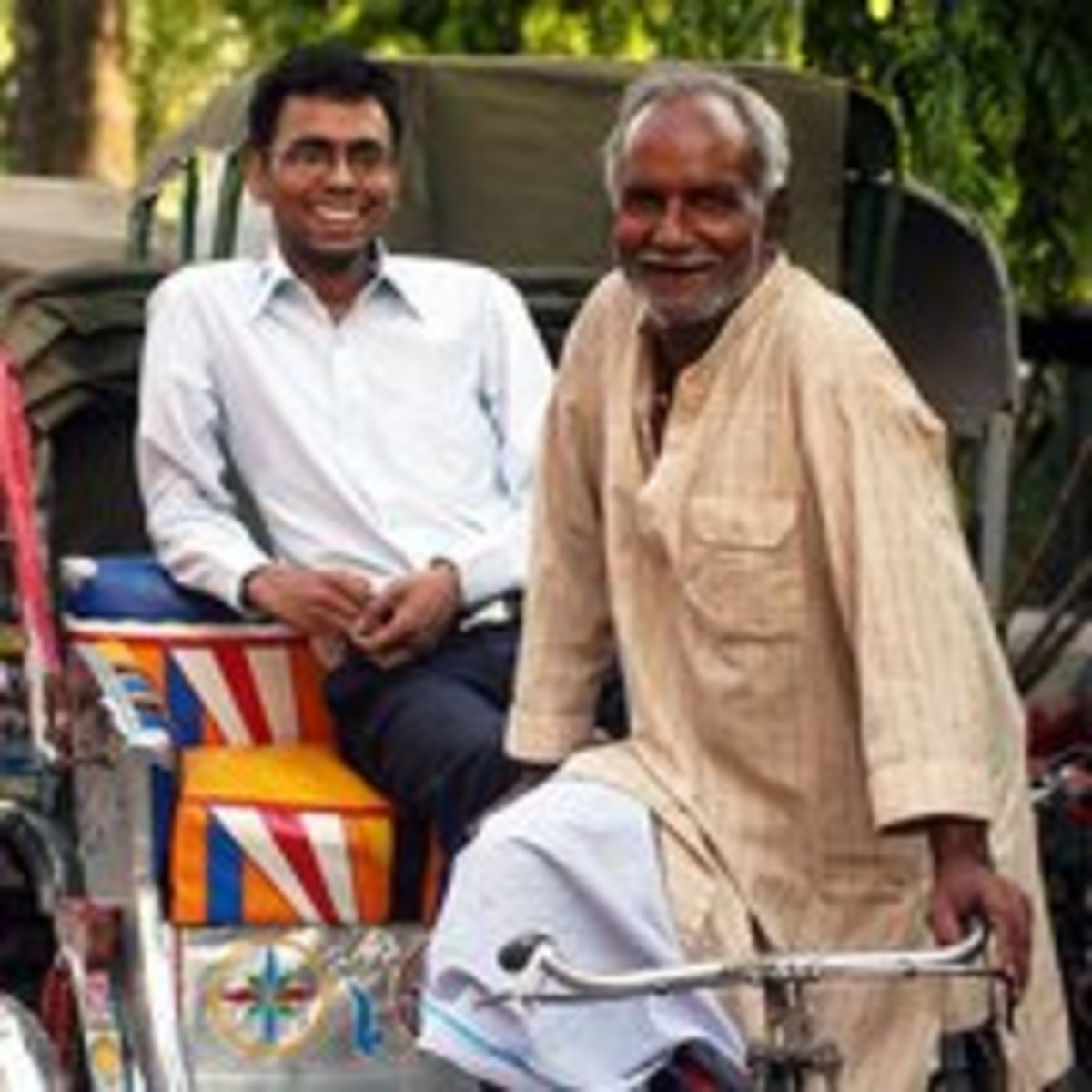 Biography of Govind Jaiswal. Son of a rikshaw vendor who cracked the IAS 2006 with his determination and hard work.