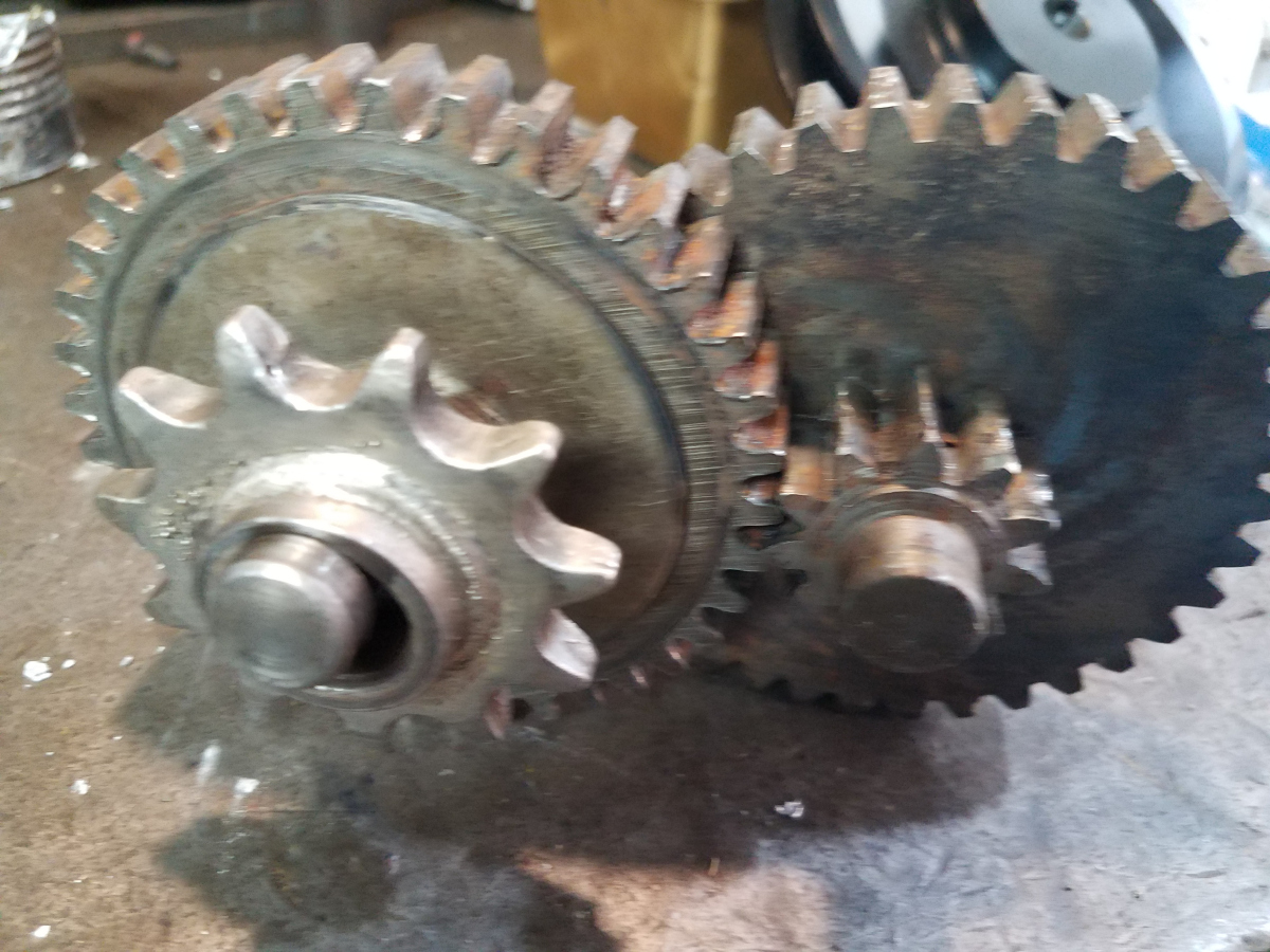 the damage to the bushing of the drive gear