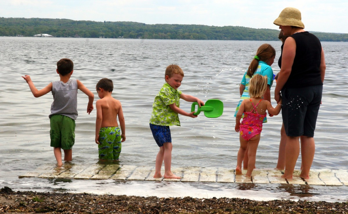 swim-floats-swimming-aids-for-toddlers-and-children