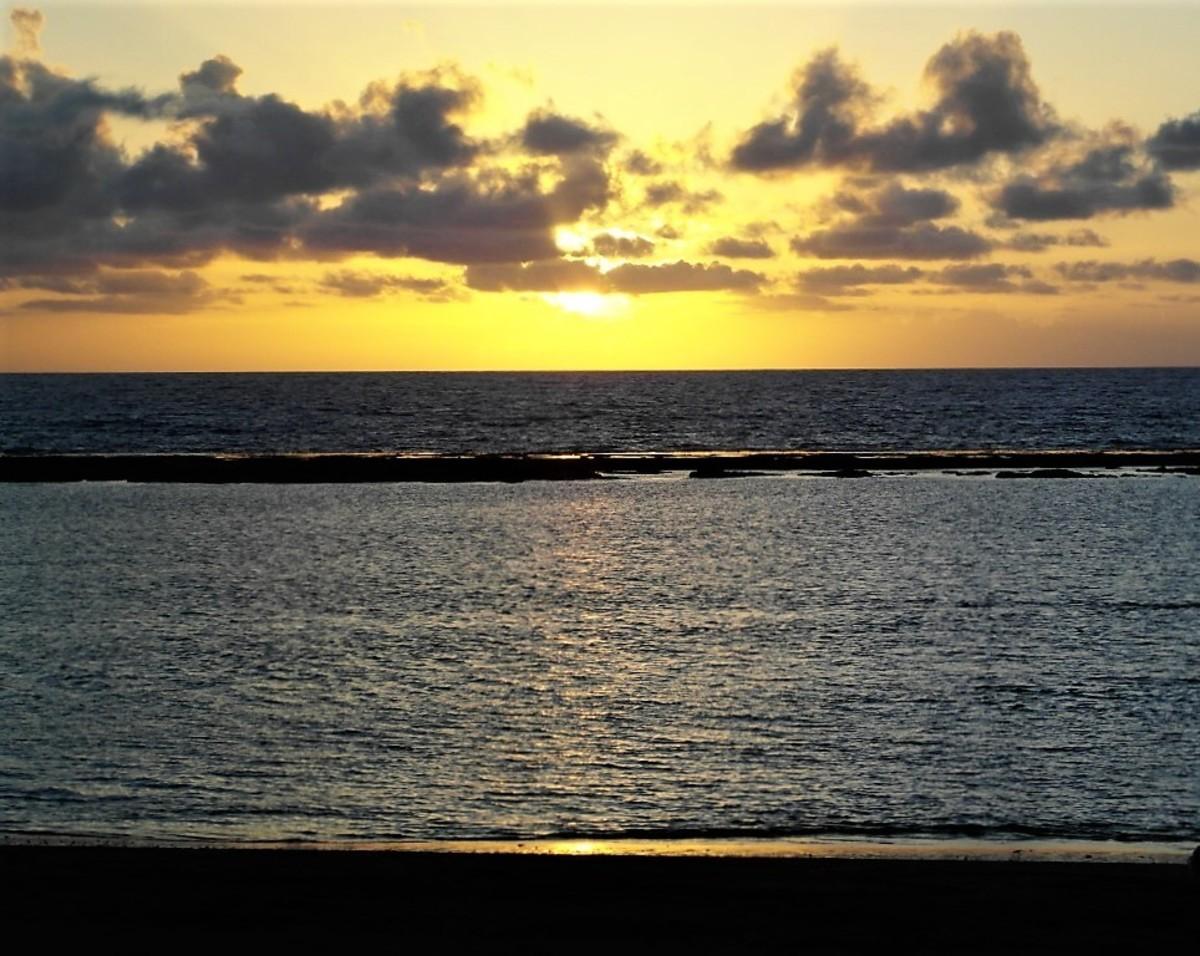 Sunset at Playa de las Canteras.