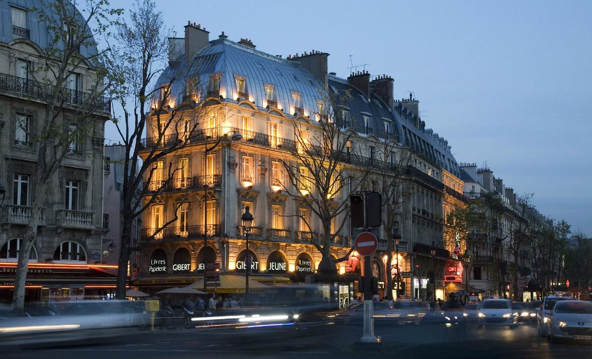 Saint Germain by Night