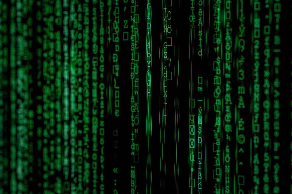 感觉像neo呢?起初,学习加密电流感觉像试图理解矩阵。
