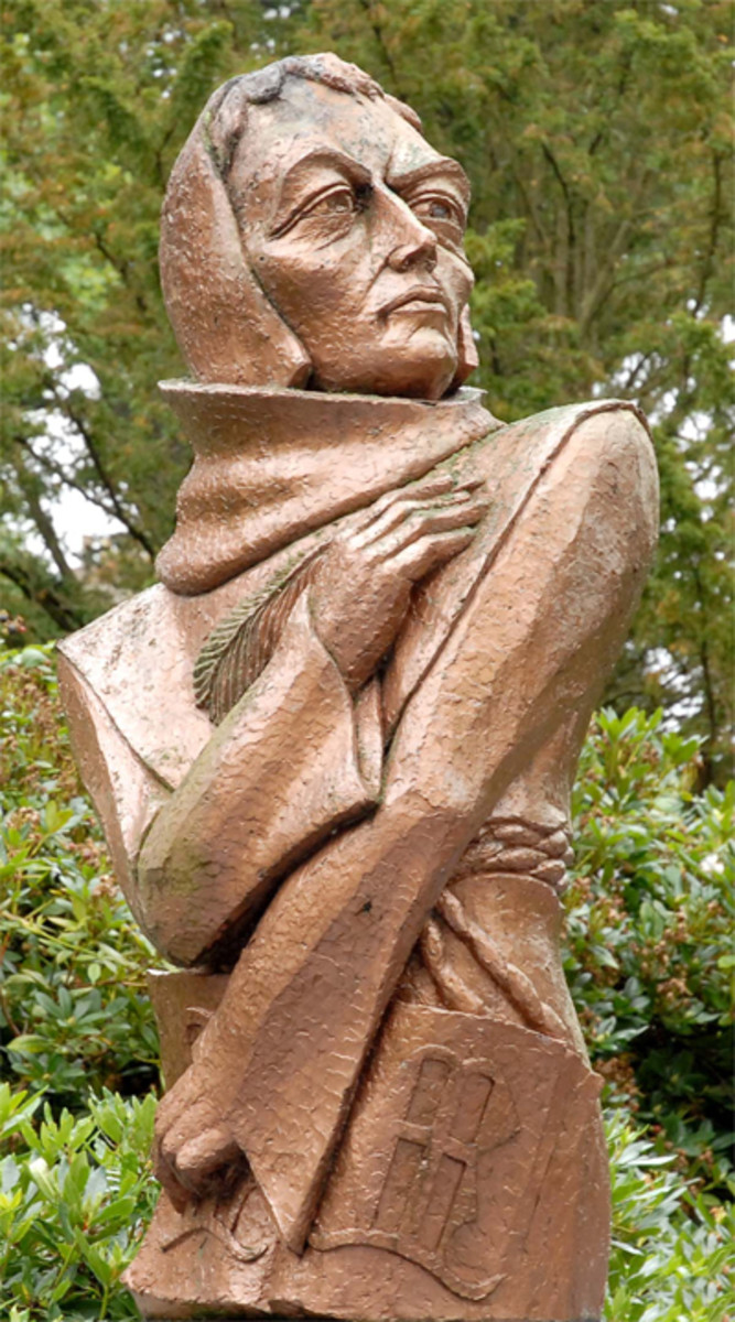 JOHN DUNS SCOTUS STATUE IN DUNS, SCOTLAND