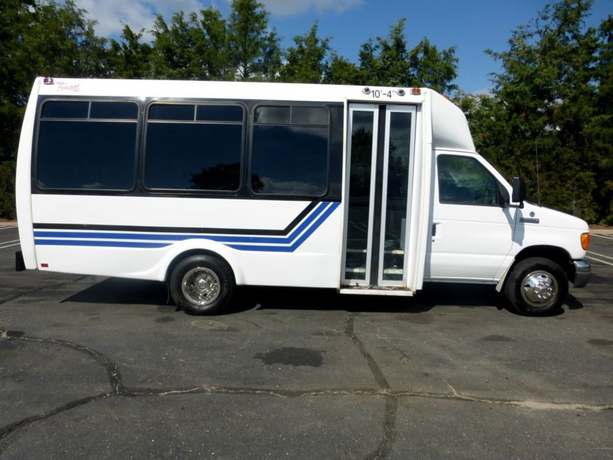 6 Benefits of Buying a Church Bus and How to Finance It