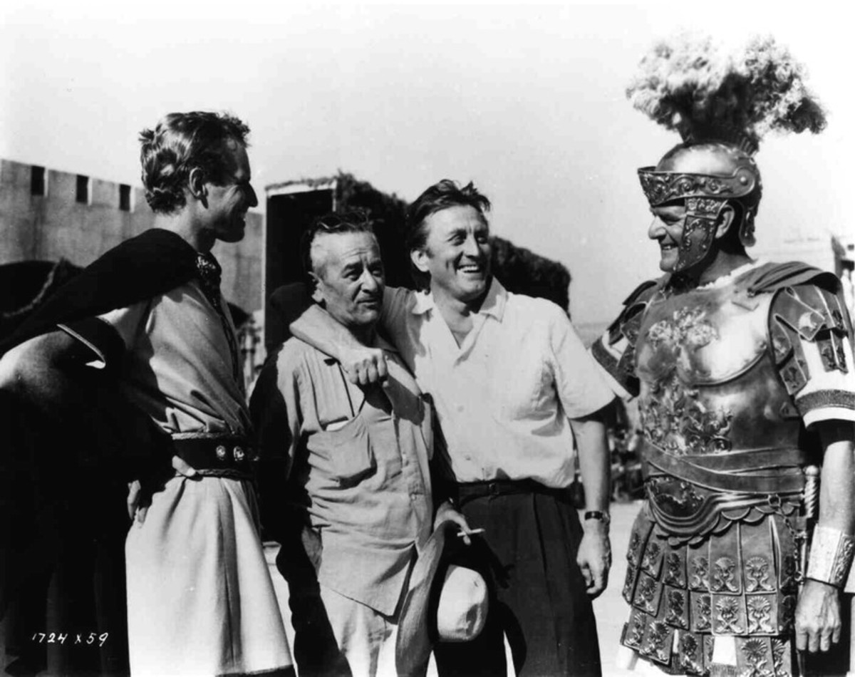Charlton Heston, William Wyler, Kirk Douglas and Jack Hawkins.