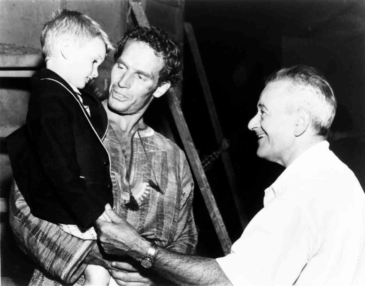 Charlton Heston with his son Fraser and director William Wyler