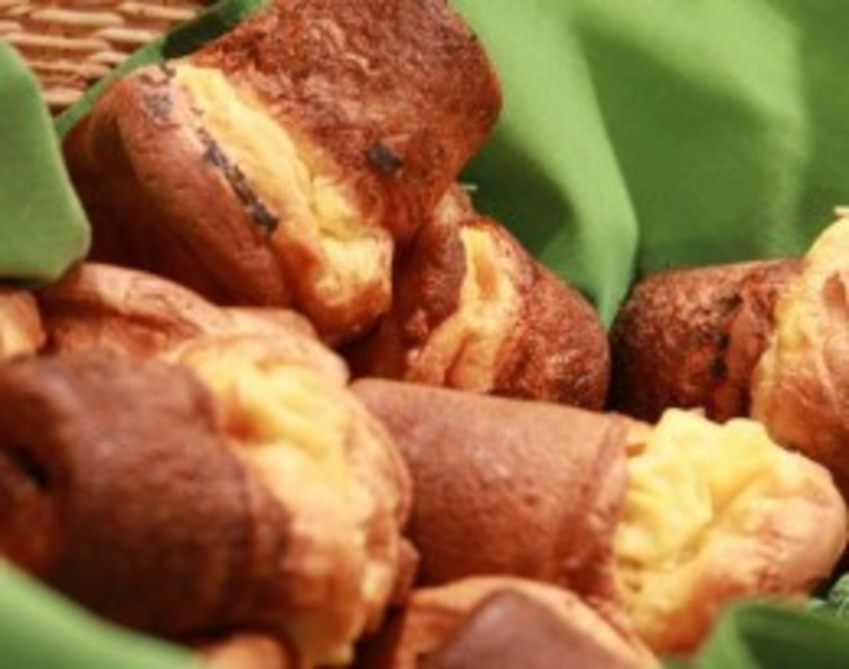 Warm, yummy Popovers in a Basket