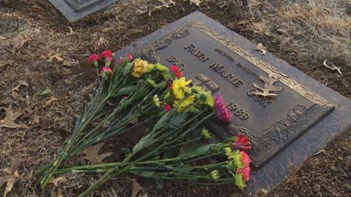 Gravesite of Fawn Cox at White Hall Cemetery in El Dorado Springs, Missouri.