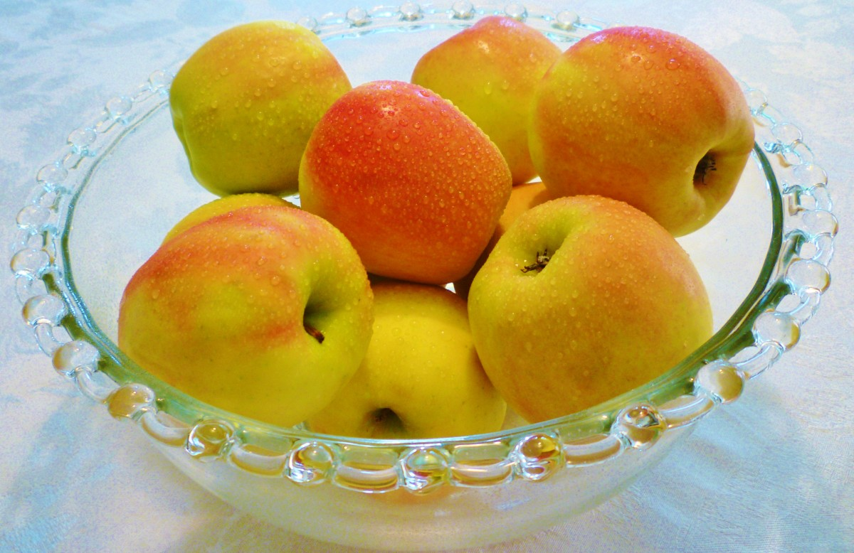 Hungry people would be so happy to have a bowl of apples available to eat.  If you have apple trees, why not donate some of the harvests to a local food pantry?