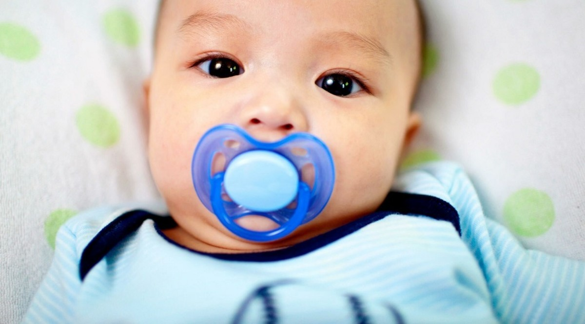 How to Clean Your Baby's Pacifier?
