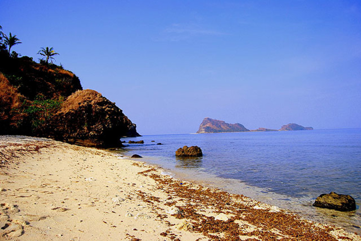 top-10-most-beautiful-beaches-in-zambales-philippines