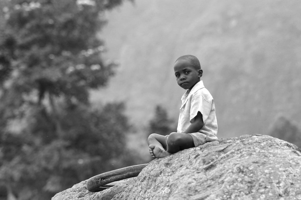 https://pixabay.com/photos/africa-child-humble-young-kid-1996511/