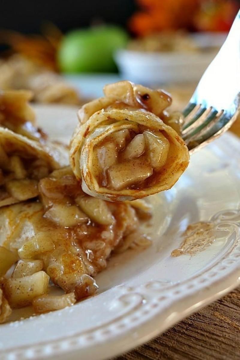 Apple walnut crêpes