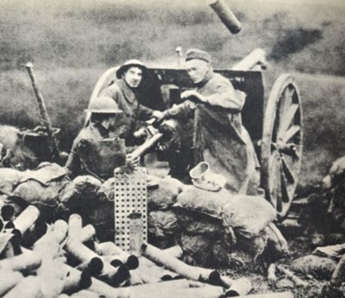 Allied artillery battery at Chateau Theirry, 1918