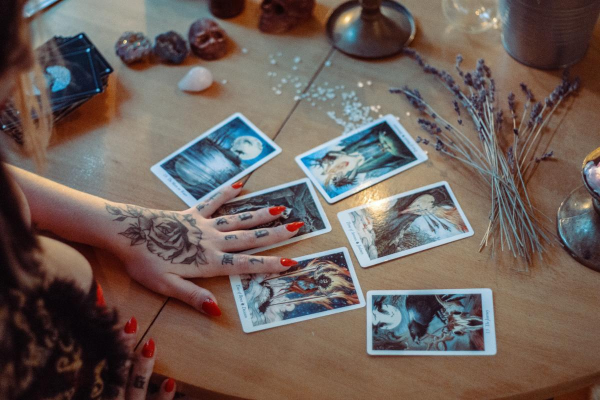 Have a Witchy Mother's Day With Tarot Cards