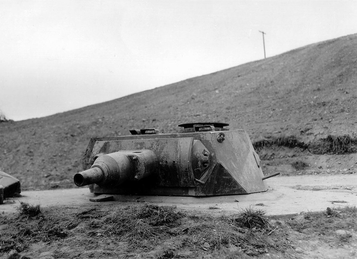 Tank turret of a Mark IV mounted on a Tobruk at one of the strong points on Omaha Beach, June 1944.
