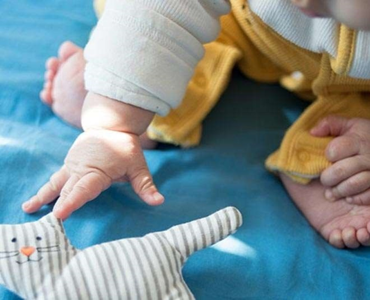what-is-hydrotherapy-for-babies-expert-explains-its-benefits