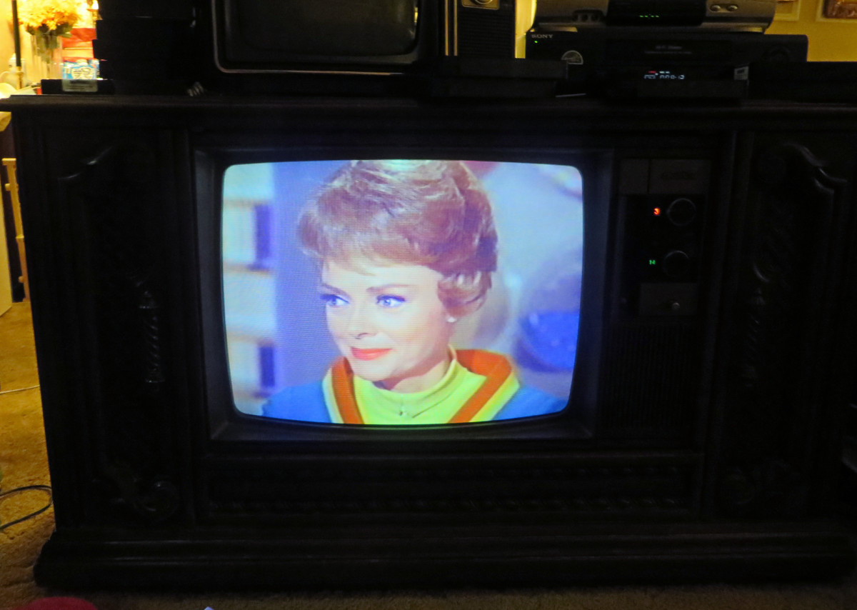 June Lockhart,  on the 1980 Quasar Color Console TV WL9439SP. this television is one of the early Quasar Dynacolor designs, Chassis Number SLTS976FA03. Time for her once every 41-year cleaning.