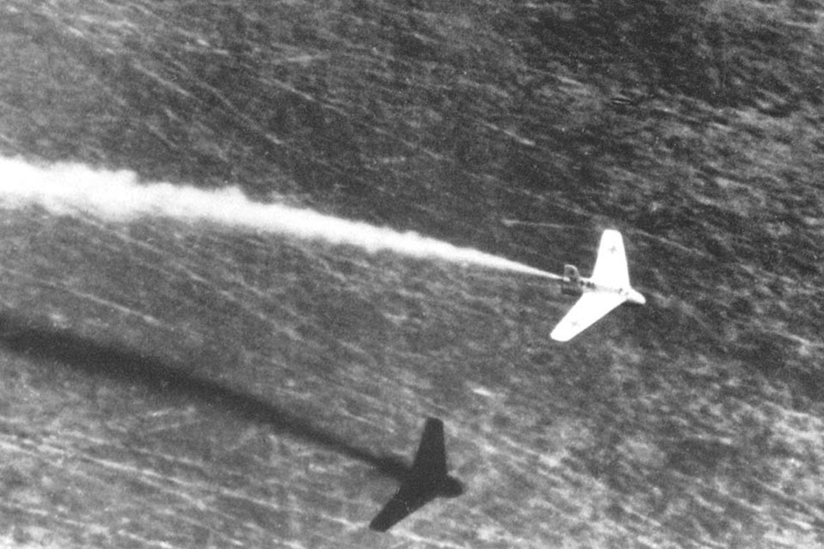 A Komet with the engine firing.